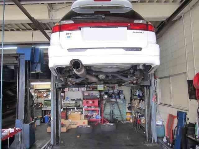 エンジンオイルの交換? @ スバル レガシィ【車検と車の修理@東大阪!】